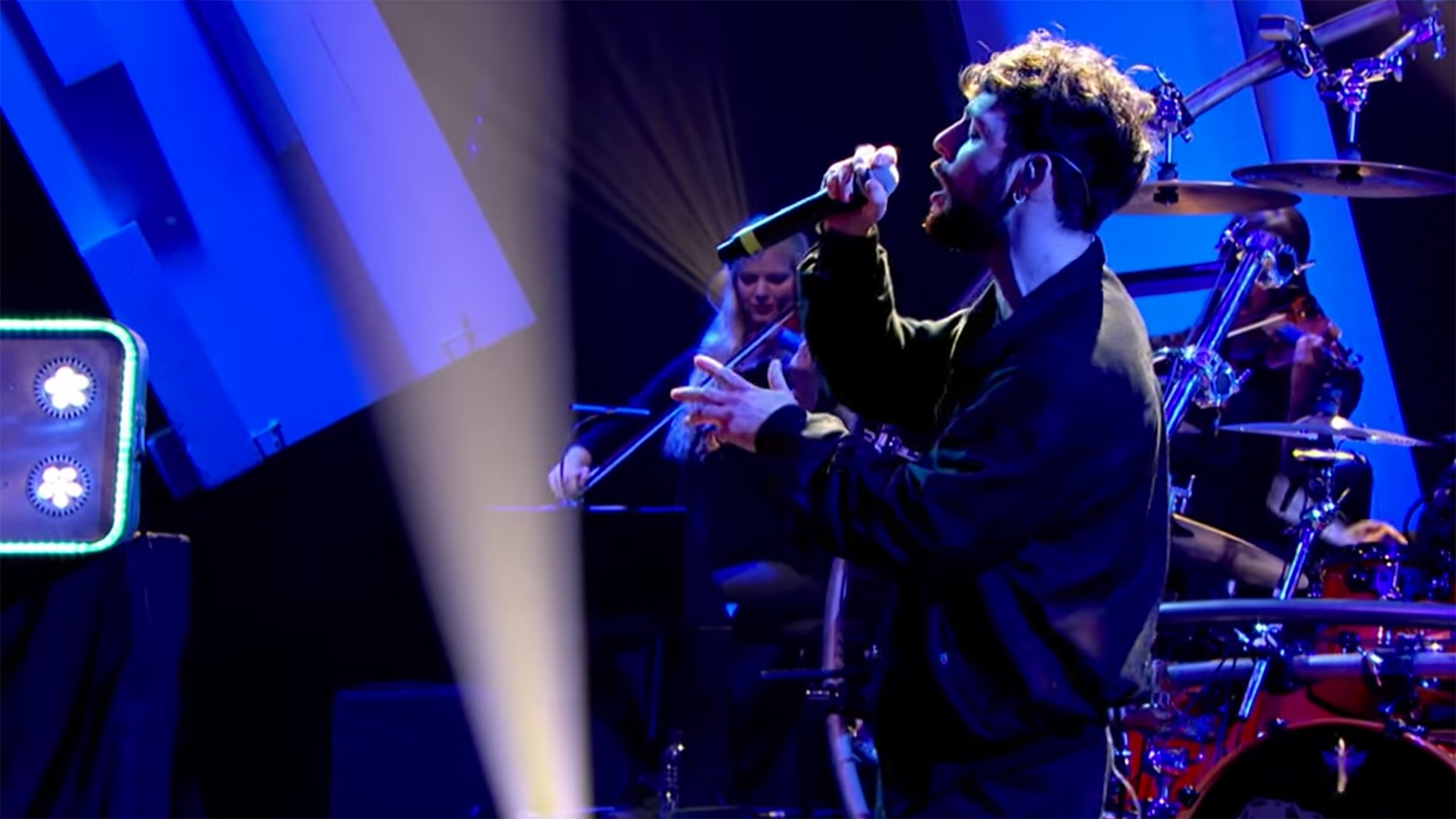 Tom Grennan makes TV debut on Later with.. Jools Holland