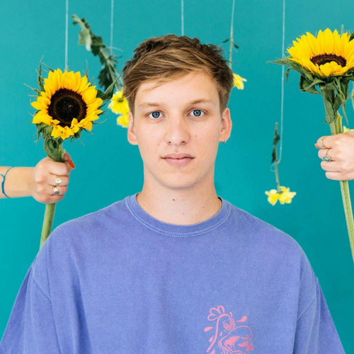 He's so aww-dork-able! – what we thought of George Ezra's 'Shotgun' lyric video