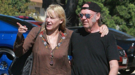 Neil Young and Daryl Hannah are married?