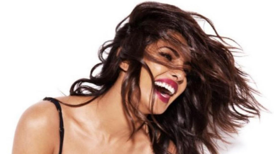 'Sucker' fever hits Priyanka Chopra, shares two fun parodies!