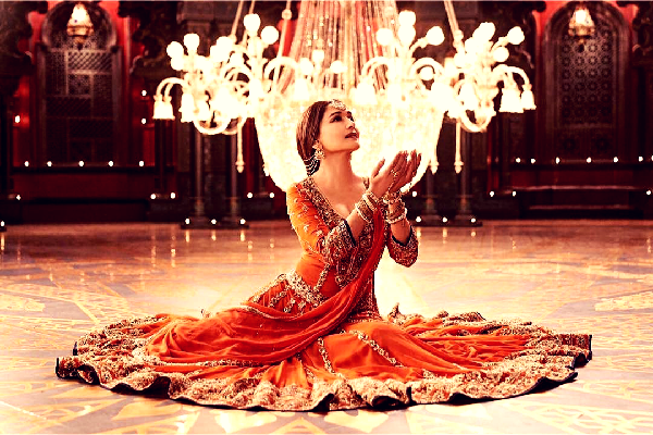 Shreya Ghoshal's voice and Madhuri Dixit's moves elevate this ordinary song