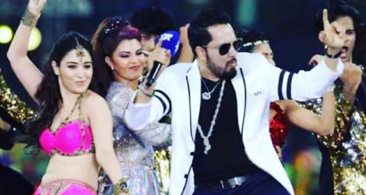 Mika Singh faces backlash for his performance in Karachi!
