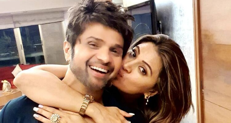 After Ranu Mondal, Himesh Reshammiya introduces another new talent… his wife!