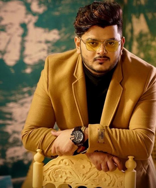 REVIEW: 'Kithe' lets Vishal Mishra shi....