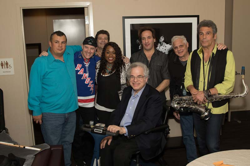 Itzhak Perlman, Carl Fischer, Chuck Burgi, Dave Rosenthal, Crystal Taliefero, Tommy Byrnes, Bill Zampino, Mark Rivera backstage Madison Square Garden March 9, 2015