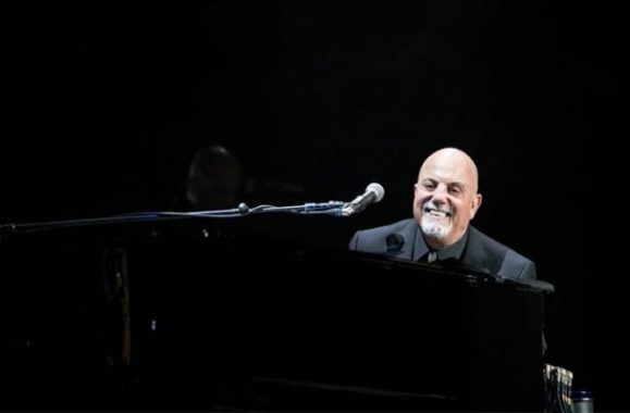 Billy Joel Wows At Sold-Out Charlotte, NC Show – Concert Review, Photos & Set List