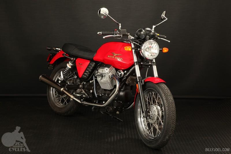 Moto Guzzi V7 Classic 2009 (Front)