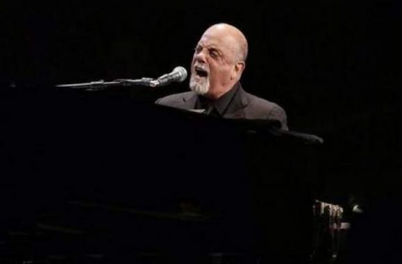 Billy Joel And His Piano Take Packed Palace On Upbeat Career Journey – Detroit Reviews, Photos & Set List