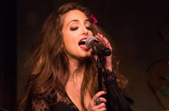 Alexa Ray Joel At Cafe Carlyle – Exclusive Photos, Interview Videos