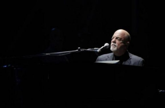 Billy Joel Thrills Nashville Fans At Bridgestone Arena – Concert Review, Photos & Set List