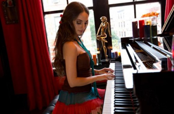 Alexa Ray Joel To Perform At New York's Cafe Carlyle April 1 – 12