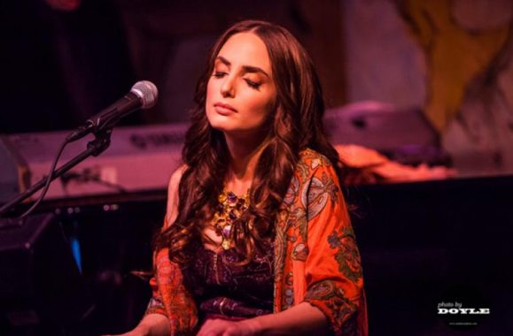 Alexa Ray Joel Live At Cafe Carlyle – Exclusive Family Photos