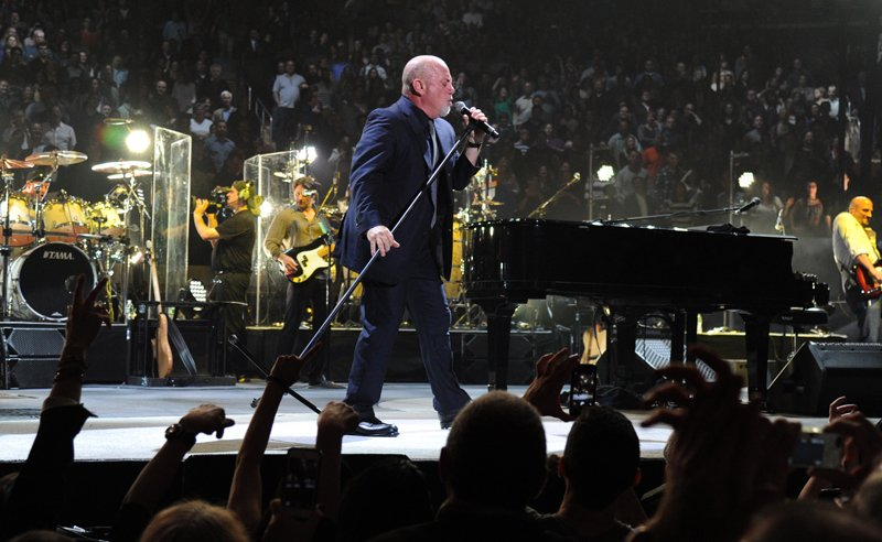 Billy Joel At Madison Square Garden – May 9, 2014 (Photo 20)