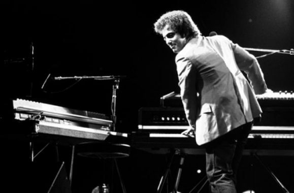 Billy Joel Biographer Compiles Piano Man Playlist – Rolling Stone