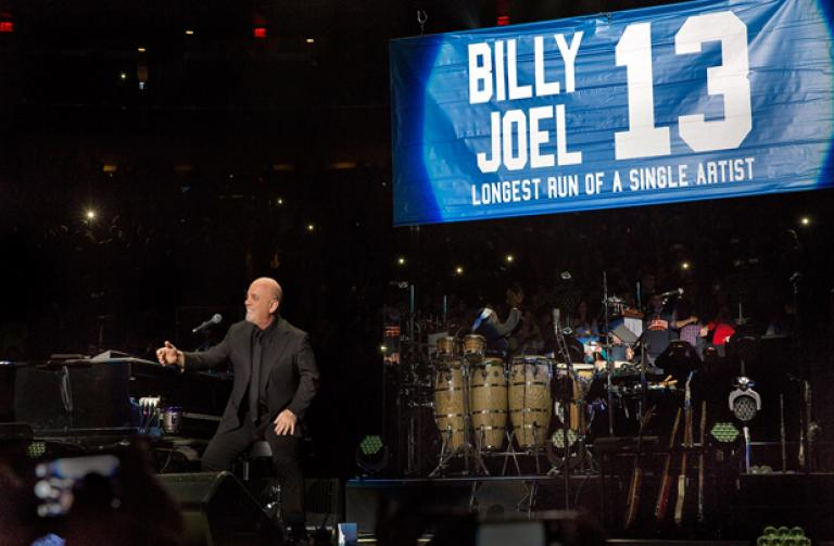 Billy Joel At Madison Square Garden January 9 U2013 Exclusive Video , Photos,  Set List U0026 Concert Reviews