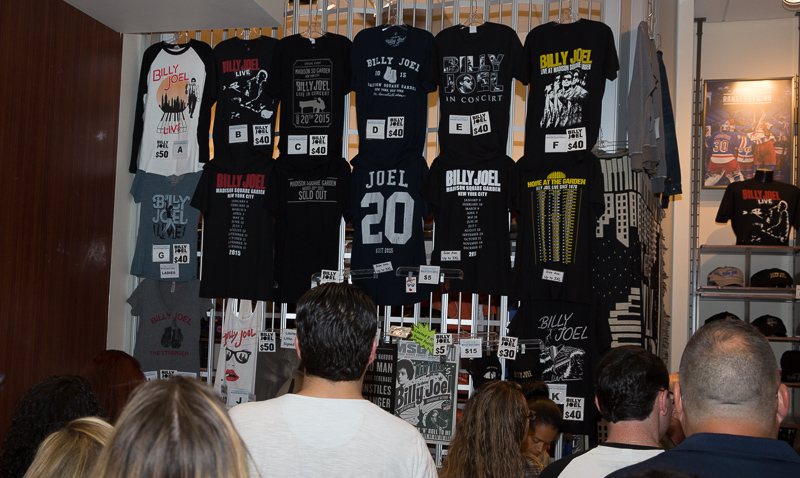 Merch stand MSG 082015