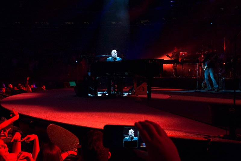 Billy Joel Live MSG and fans Iphone video image 082015