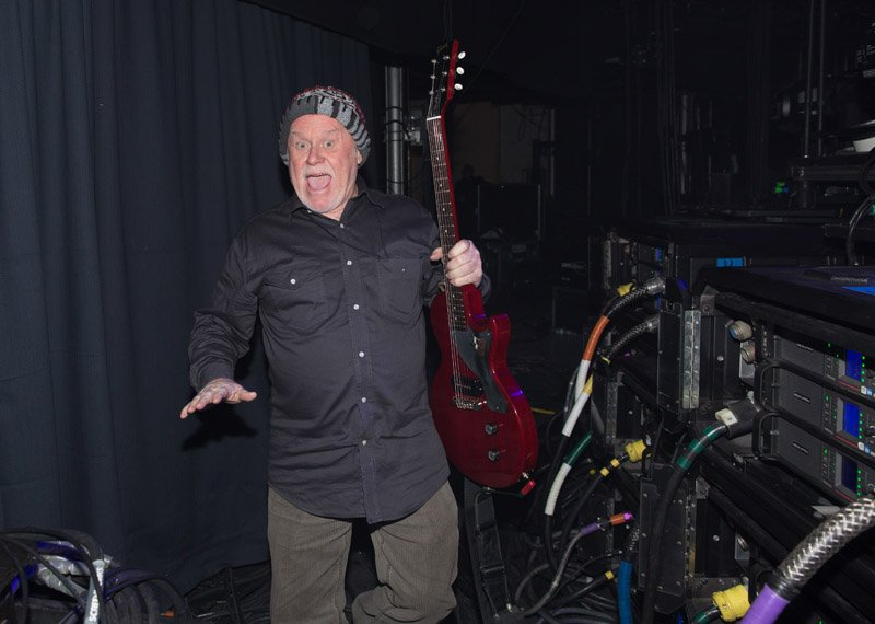 Wayne Williams with Billy's guitar at MSG, January 7th, 2016