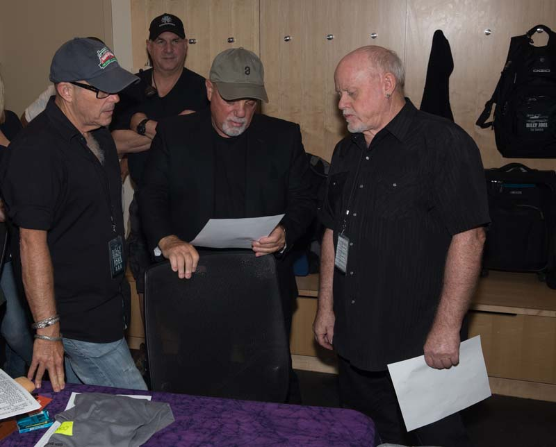 Billy reviewing the set list with Steve Cohen and Wayne Williams