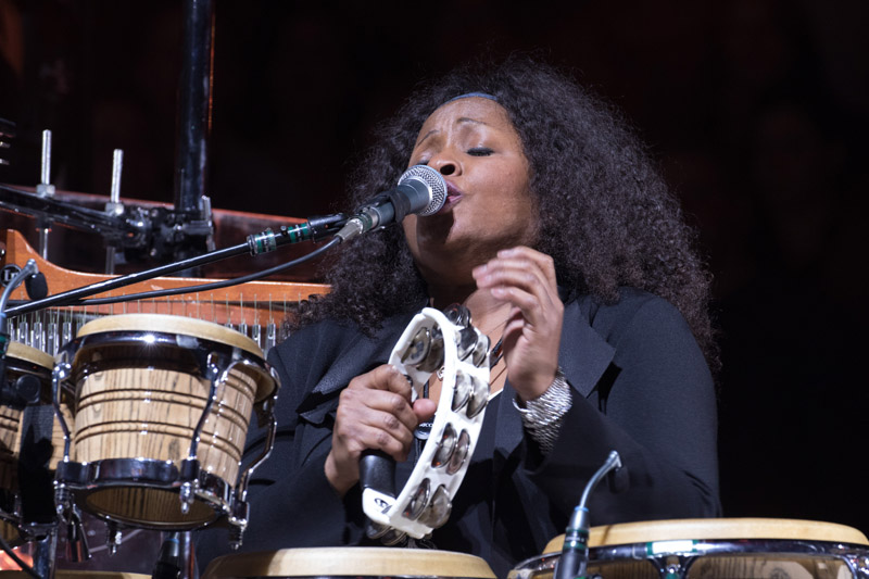 Crystal Taliefero live on stage with Billy Joel at MSG, January 7th, 2016