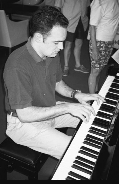pablo_piano