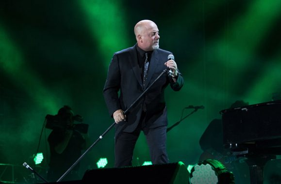 Billy Joel Joined By Jason Mraz At Petco Park Show May 14 – Exclusive Photos