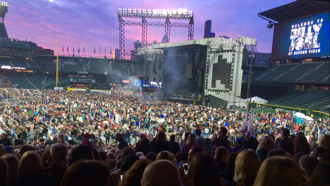 Billy Joel Concert At Safeco Field Seattle, WA - May 20 ... Billy Joel Piano Man Legacy Edition