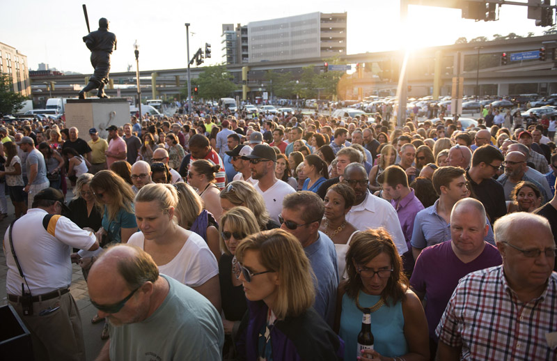 Billy Joel fans at entrance PNC Park Pittsburgh July 1, 2016