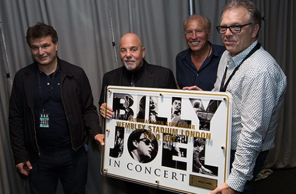 Billy Joel's September 10, 2016 Wembley Performance – Exclusive Photos
