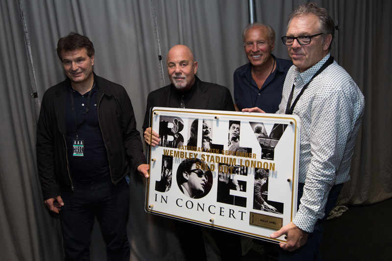 Billy Joel At Wembley Stadium London, England – September 10, 2016 (Photo 113)