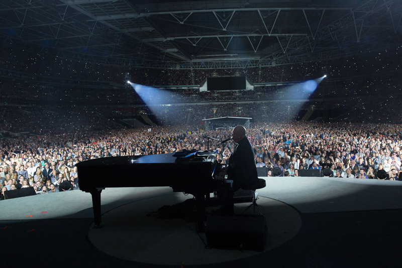 Billy Joel At Wembley Stadium London, England – September 10, 2016 (Photo 99)