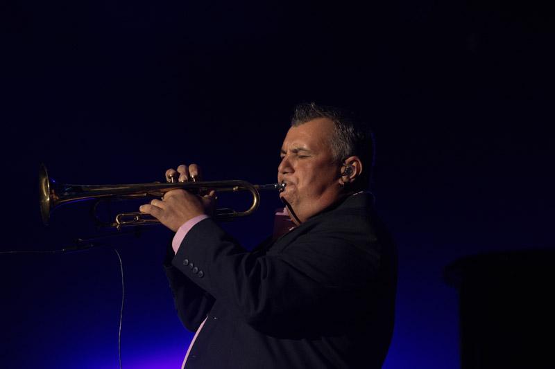 Carl Fischer on stage.  Billy Joel At Madison Square Garden