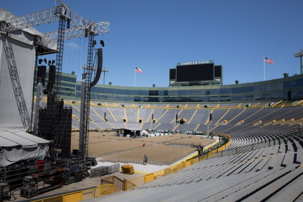 Billy Joel In Concert at Lambeau Field, Green Bay, WI, June 17th, 2017