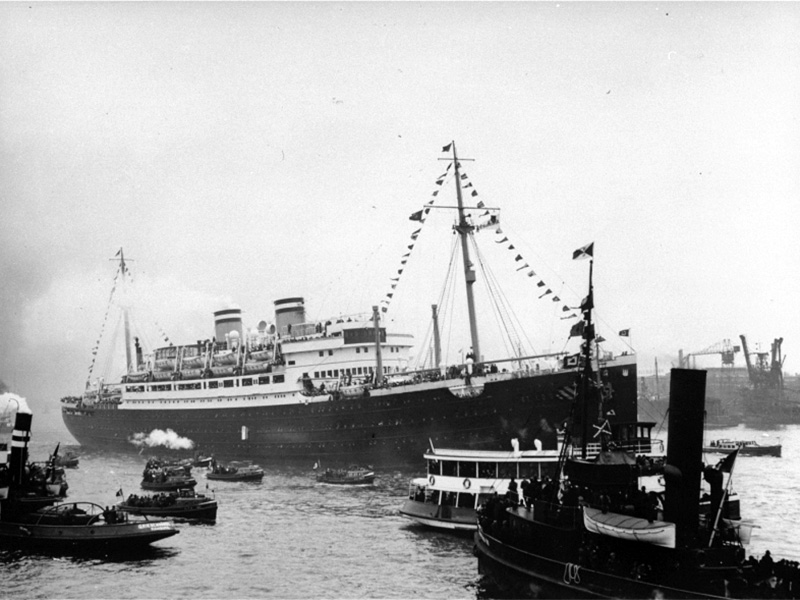 The SS St. Louis surrounded by smaller vessels in the port of Hamburg. Photo courtesy of Creative Commons/USHMM