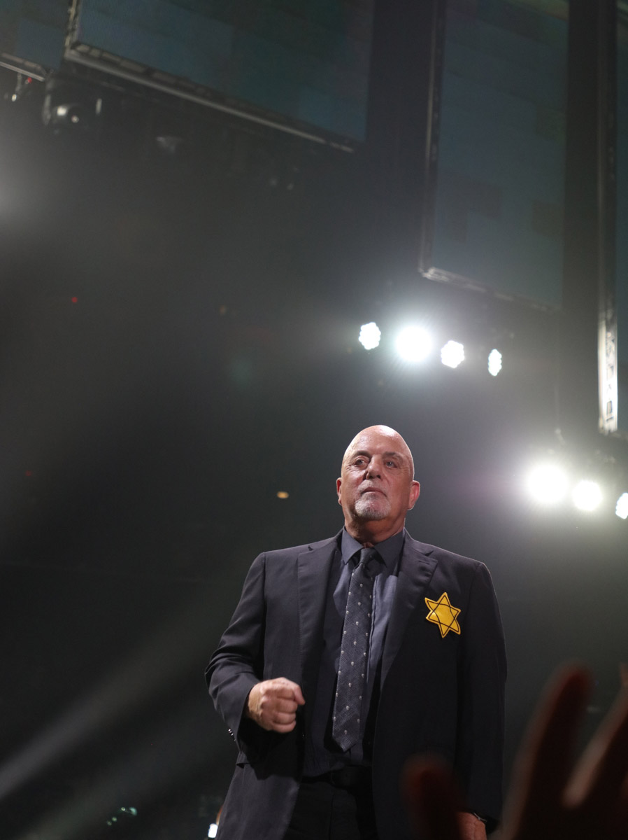 Billy Joel performs encores wearing Jewish Star of David pinned to his jacket at Madison Square Garden in New York, NY, on August 21, 2017