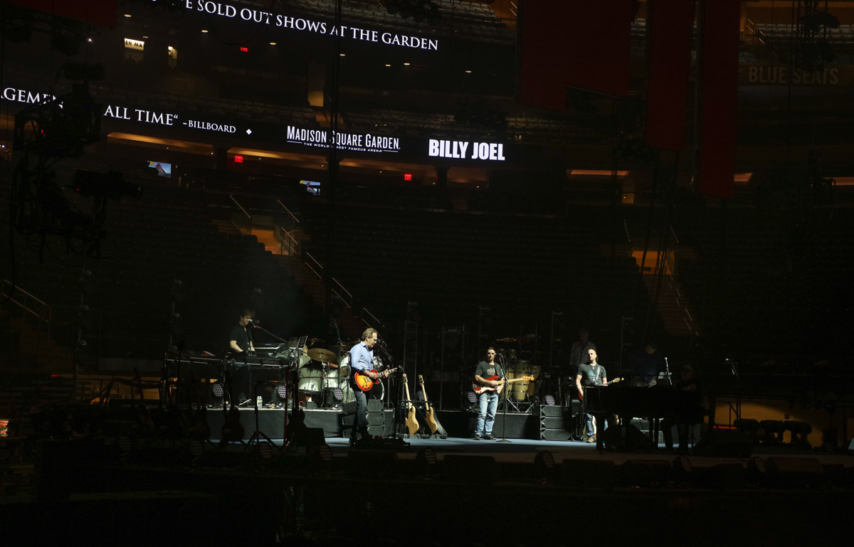 Billy Joel At Madison Square Garden New York Ny May 23 2018 Photo 2 Billy Joel Official Site
