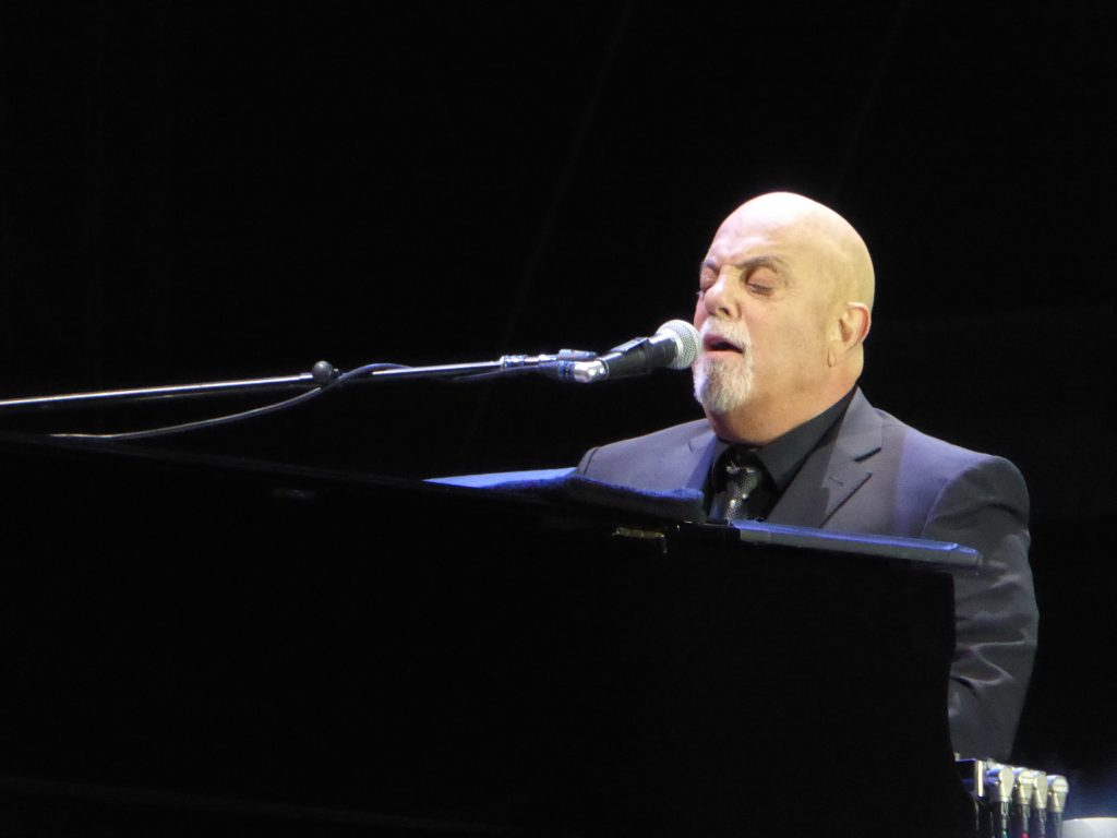 One man, his piano, and a microphone