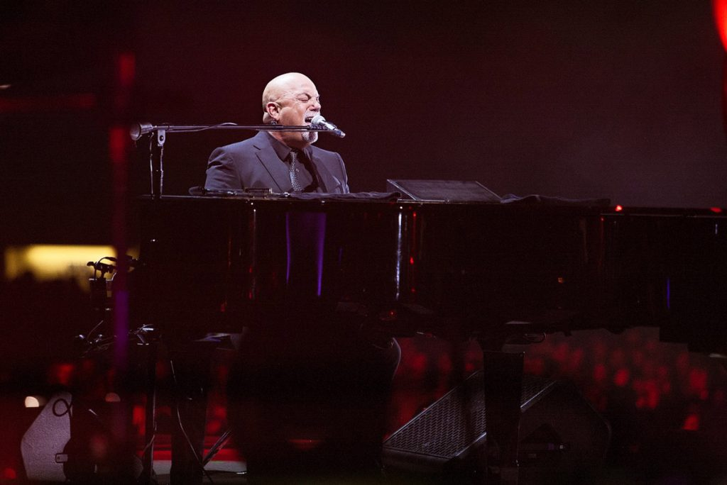 Billy Joel At Wrigley Field Chicago, IL – September 7, 2018 (Photo 3)