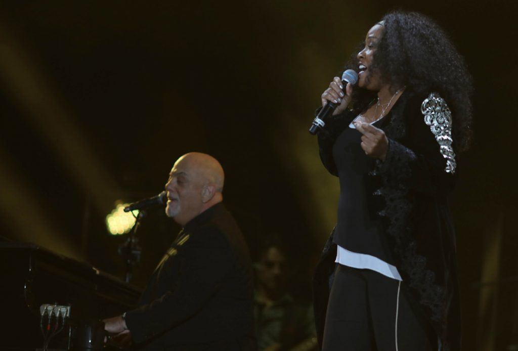 Billy Joel At Wrigley Field Chicago, IL – September 7, 2018 (Photo 8)