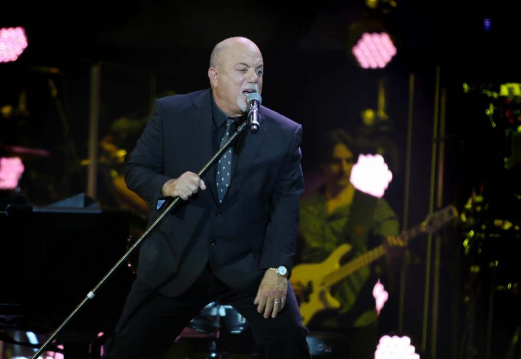 Billy Joel At Wembley Stadium – June 22, 2019 (Photo 15)