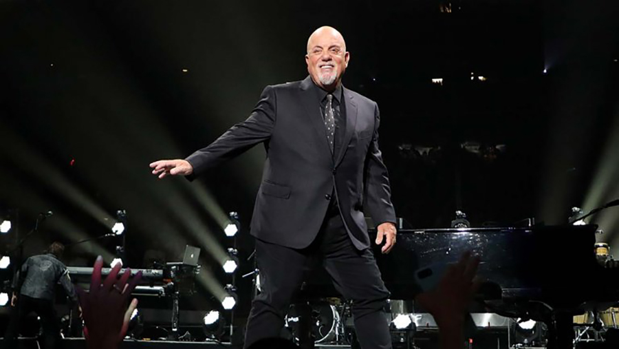 billy_joel_performs_at_madison_square_garden_900px