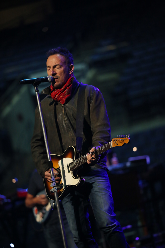 photos from the road columbus bruce springsteen. Black Bedroom Furniture Sets. Home Design Ideas