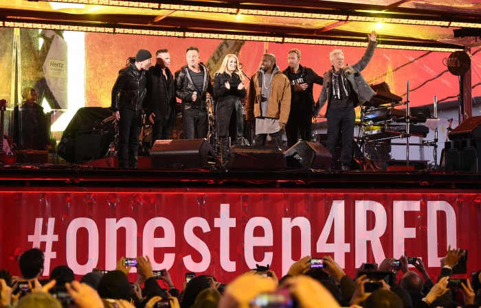 Bruce performs with U2 live from Times Square » Bruce