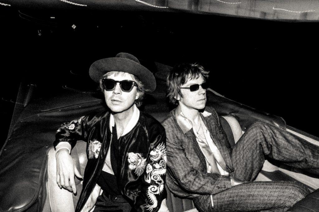 Night Running feat. Beck