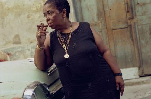 CesariaEvora_Cuba_Street_2000