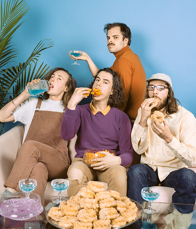 "WATCH PEACH PIT'S NEW VIDEO FOR ""ALRIGHTY APHRODITE"" FROM DEBUT ALBUM BEING SO NORMAL"