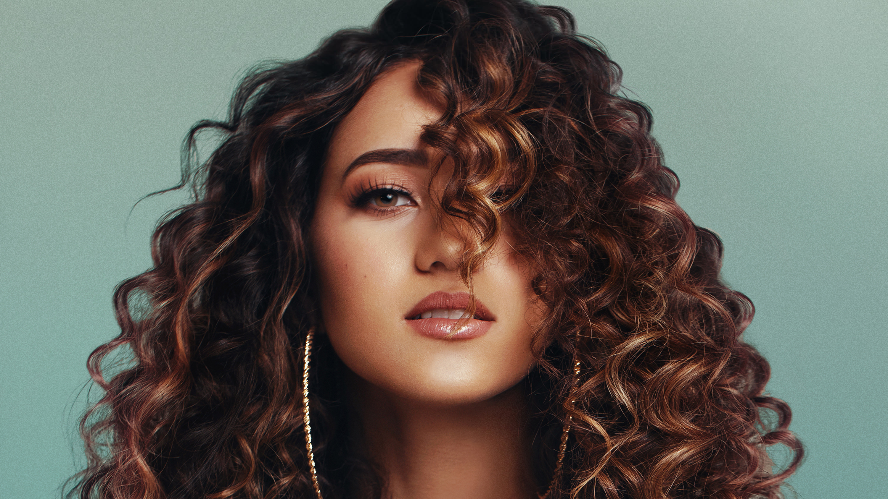 Ten Minutes with Skylar Stecker