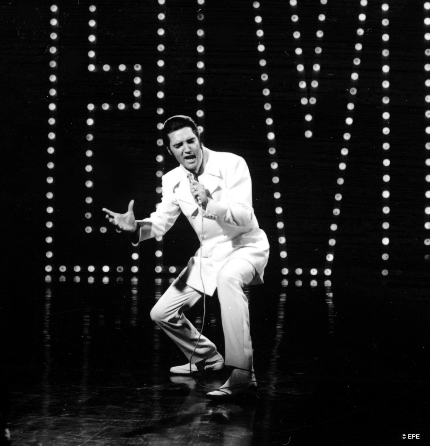 """Elvis singt """"If I Can Dream"""" beim '68 Comeback Special, 1968"""