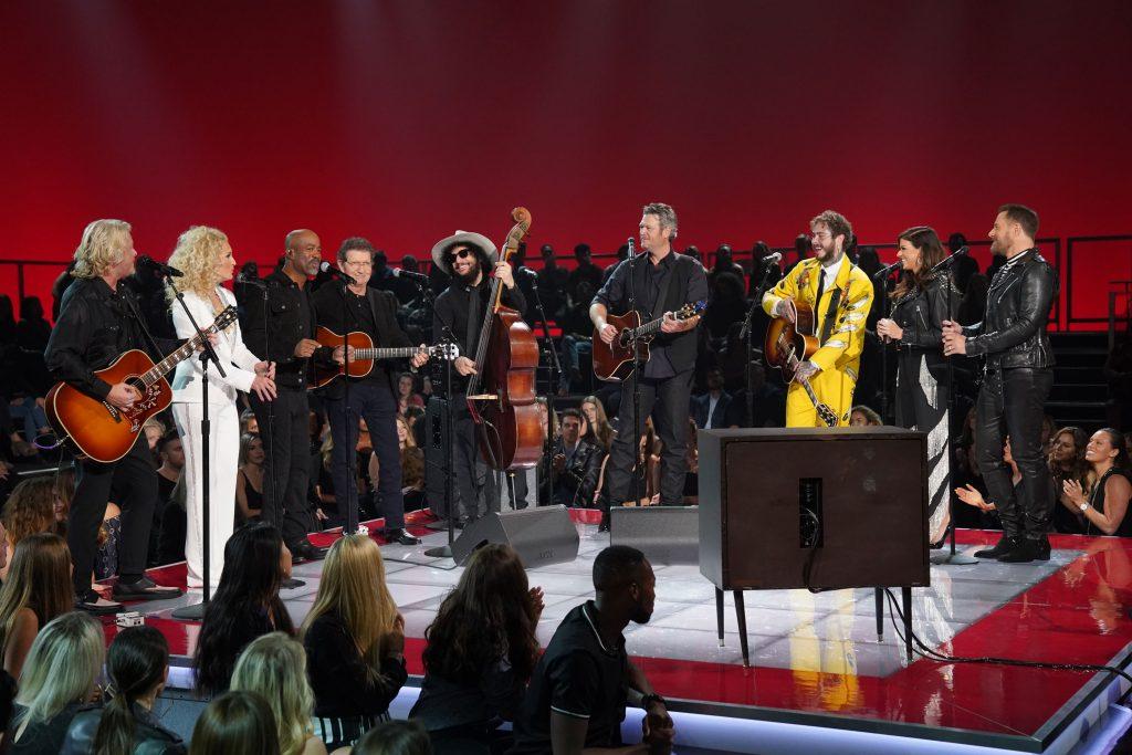 Ed Sheeran, Jennifer Lopez, Shawn Mendes und weitere Stars ehren Elvis mit seinen Hits aus der '68er Show