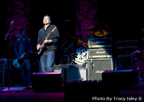 2010-11-15-Buffalo-NY-Mato-Nanji-Buffalo-2nd-show1-00006